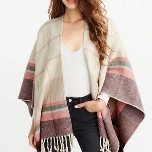 NWOT! Abercrombie - Poncho Scarf in Cream Plaid